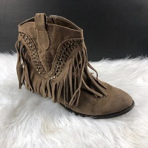 DOLCE VITA COW GIRL BOOTS SIZE 6